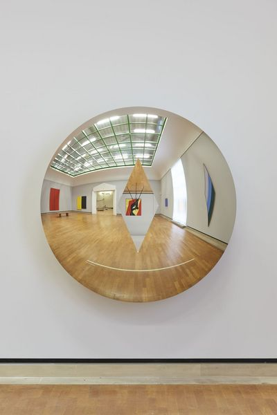 Anish Kapoor, »Concave Convex (Diamond)«, 2019, Staatsgalerie Stuttgart, Leihgabe der Freunde der Staatsgalerie Stuttgart e.V. seit 2020, © Anish Kapoor. All rights reserved, DACS/VG Bild-Kunst, Bonn 2021, Barnett, Newman, Who's Afraid of Red, Yellow a